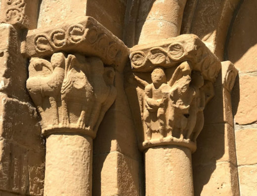 Viajes y escapadas a la natural, escapadas rurales de fin de semana y otras actividades de turismo rural en la iglesia de Santa Catalina de la Valdorva.