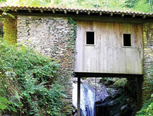turismo rural y escapadas rurales a Baztan Bidasoa en navarra descubre sus parques naturales y lugares como el Molino del Infierno